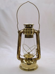 Hurricane Oil Lamp photo c/o vermontlanterns.com