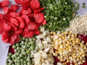 Dehydrated fruits and vegetables photo c/o yes-green.com